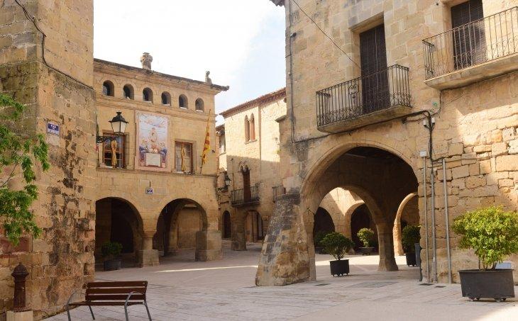 Plaça de l'Església d'Horta de Sant Joan