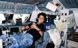 Sally Ride el 21 de juny de 1983, durant el seu primer vol a l'espai