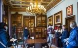 La redacció del SÀPIENS a la biblioteca Arús