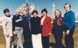 D'esquerra a dreta, Gene Nora Stumbough, Wally Funk, Jerrie Cobb, Jerri Sloan Truhill, Sarah Gorelick, Myrtle Kay Cagle i Bernice B. Steadman, juntes el 1995 per veure el llançament del 'Discovery' que pilotava Eileen Collins