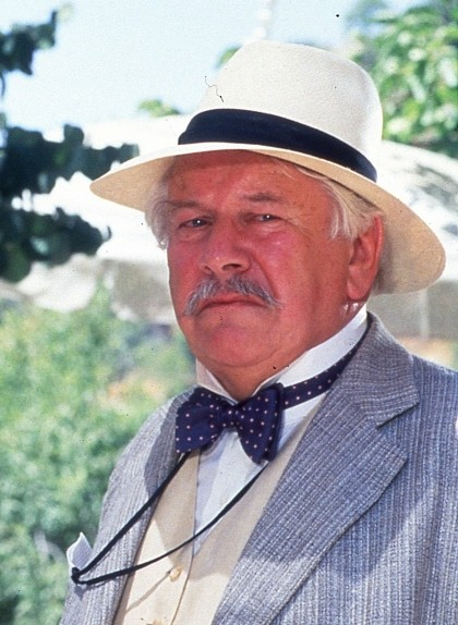 Peter Ustinov va representar el paper d'Hèrcules Poirot a l'adaptació cinematogràfica de 'Cita amb la mort', el 1988