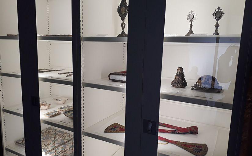 Vitrines del reial monestir de Sixena -  Sònia Casas