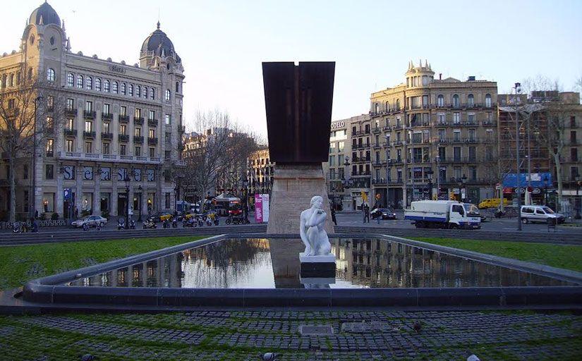 La plaça de Catalunya, a Barcelona -  Wikimedia Commons