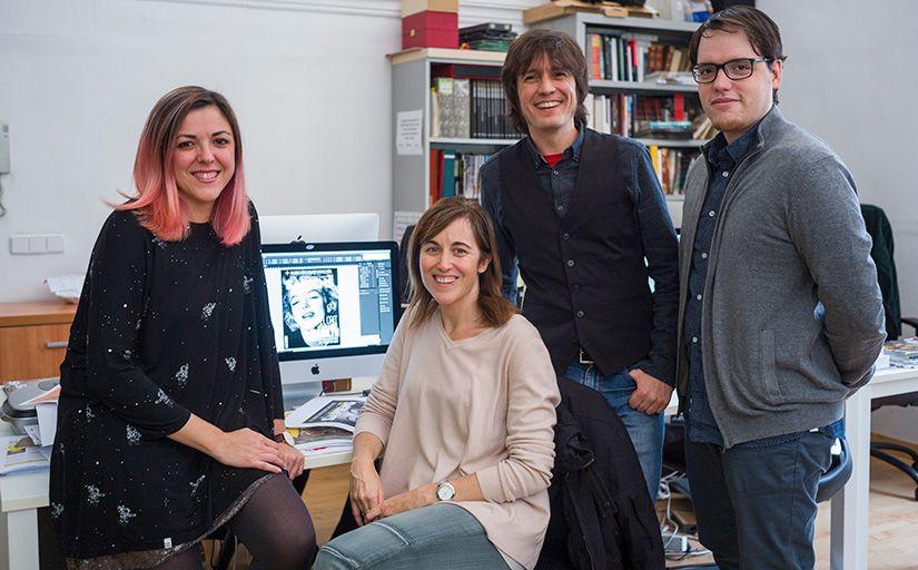La redacció del SÀPIENS. D'esquerra a dreta, Sònia Casas, Clàudia Pujol, Albert Bernat i Víctor Farradellas -  Enrique Marco