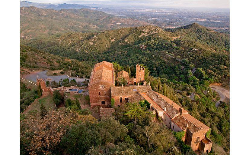 Castell d'Escornalbou -  Wikimedia Commons