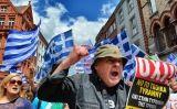 """Manifestants grecs a Dublín a favor de l'""""oxi"""" (no) a la Troika -  Des Byrne / Flickr"""