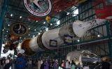 Un dels coets Saturn V es troba exposat alCentre Espacial John F. Kennedyde Florida -  350z33 - Wikimedia Commons