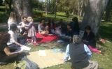 Celebració d'una anterior edició del Ridván als jardins de Mossèn Cinto Verdaguer
