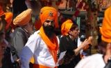 Els elements identificatius dels sikhs són la barba i el turbant