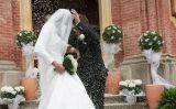 Es creu que el costum de tirar arròs als casaments ve de l'Orient
