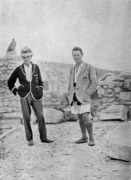 Lawrence (a la dreta) amb el company d'excavació Leonard Woolley a Carquemix cap a l'any 1912