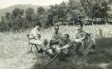 Cardona (segon per l'esquerra), amb els comandaments de la seva companyia del Regiment de Jaén