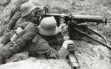 Soldats alemanys amb una metralladora