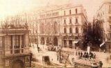 Fotografia de la façana del Gran Teatre del Liceu a finals del segle XIX