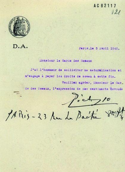 Document en què Pablo Picasso sol·licita la nacionalització francesa