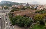 Les Drassanes Reials de Barcelona vistes des del monument a Colom
