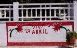 Pintura mural en commemoració del 25 d'abril