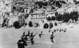 El V Cos d'Exèrcit simulant la travessa de l'Ebre, el matí del 25 de juliol del 1938