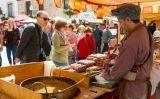 Paradeta del mercat d'època a la Fira Renaixentista de Calella