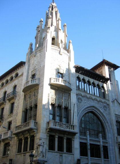 Seu històrica de la Caixa de Pensions a la Via Laietana de Barcelona
