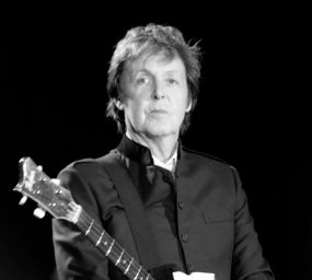 Paul McCartney durant una actuació l'any 2010