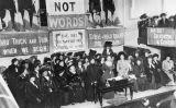Reunió de la Unió Social i Política de les Dones el 1908, liderada per Emmeline Pankhurst