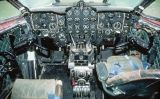 La cabina de l'avió Comet 4