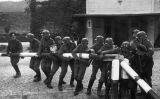 Les forces armades alemanyes creuen la frontera polonesa el 1939
