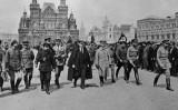 Lenin i altres líders bolxevics a la plaça Roja de Moscú l'any 1919