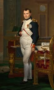 Napoleó lluïa cabells caiguts cap endavant, amb petites ondulacions i sense ratlla, a l'estil de Cèsar