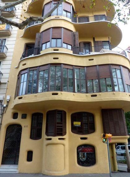 Casa Planells, al número 332 de l'avinguda Diagonal de Barcelona