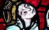 Representació d'Elionor d'Aquitània en un vitrall de la catedral de Poitiers (França)