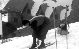 Un esquiador amb el material