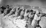 Soldats russos defensant una posició durant la batalla de Stalingrad