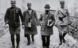 Landru envoltat de gendarmes abans del judici