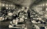 Soldats nord-americans contagiats de grip en un magatzem convertit en hospital a Kansas l'any 1918