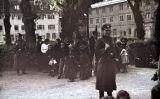 Tropes alemanyes deportant ciutadans gitanos a Asperg, Alemanya, el maig del 1940