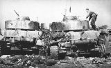 Tancs soviètics destruïts i soldats de l'Exèrcit Roig morts a la ciutat de Babruisk (Bielorrússia), el juny del 1944