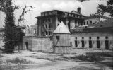 El búnquer on es va suïcidar Hitler, situat a la seva cancelleria a Berlín, en una fotografia del 1947