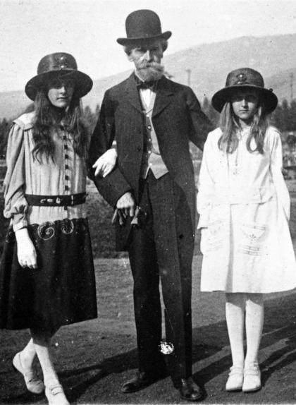 William Clark amb les seves filles el 1917