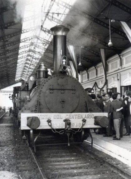 La 'Locomotora del Centenario', una rèplica de 'La Mataró' que es va construir per a la commemoració del centenari de la línia, l'any 1948