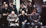 D'esquerra a dreta, Winston Churchill, Franklin Delano Roosevelt i Josif Stalin a la conferència de Jalta l'any 1945
