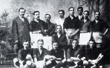 La plantilla del Futbol Club Barcelona l'any 1910