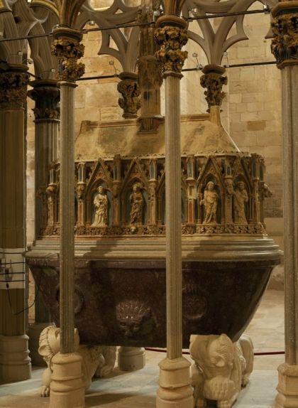 Tomba de Pere II el Gran al monestir de Santes Creus