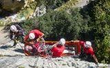 Simulacre d'un rescat de muntanya dels Bombers a Sadernes (Girona)