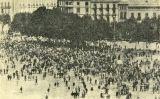 Imatge de la cua de la marxa de protesta per les detencions de l'11 de setembre de 1901 apareguda a la revista 'Joventut'