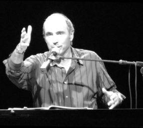 Lluís Llach al Teatre Olímpia de París