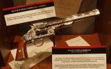 Rèplica del revòlver utilitzar per Wyatt Earp durant el tiroteig d'OK Corral, al Museu del Crim de Washington