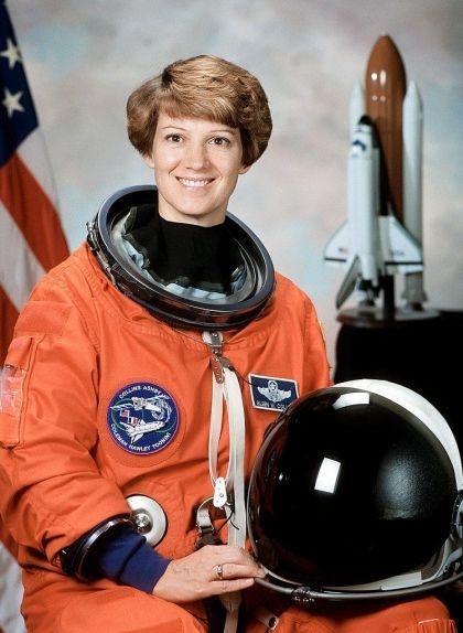 Eileen Collins, la primera dona comandant d'una missió espacial