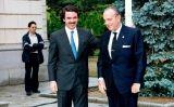 Primera entrevista de José María Aznar com a president del Govern espanyol amb el president la Xunta de Galícia, Manuel Fraga